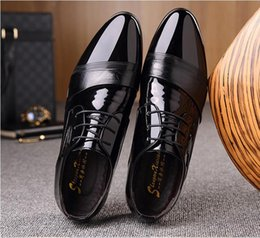men shoe patent NZ - New style British Style Fashion Patent Leather Men Dress Shoes Pointed Toe Mens Work Wedding Shoes For Men loafers Z448