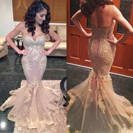 Gracieux Sexy Pas Cher-Graceful Mermaid Tulle Long Robe de soirée 2017 Off the Shoulder Sweetheart Button Backless Court Train avec Applique Robe de bal