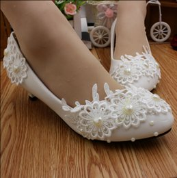 $enCountryForm.capitalKeyWord Canada - Low white bride wedding shoes with the bridesmaid shoes Photograph stage show thin pearl flowers single shoes female