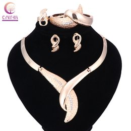 $enCountryForm.capitalKeyWord Australia - Dubai Jewelry Sets For Women Weddings Leaves Accessories Fashion Crystal Bridal Party Vintage Gold Color Jewellery