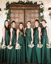 $enCountryForm.capitalKeyWord Canada - Hunter Green Long Country Wedding Bridesmaid Dresses Crew Neck Sleeveless Floor Length Satin 2017 Cheap Simple Guest Evening Gowns for Party