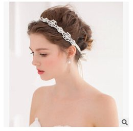 Barato Cabeça De Flor Frisada-Elegante 2017 Espumante Beaded Rhinestones Bridal Headpiecs Flower Pattern Wedding Headpiece Hairbands Cheap Fascinators Formal Occasion