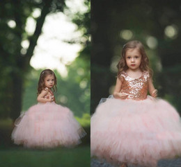 Vestidos De Boda De Oro Para Las Niñas Baratos-Vestido de comunión Rose Sequins de Oro se ruborizan Tulle vestido de bola Flower Girls 'vestidos 2017 Cap manga Puffy Little Girls vestido de fiesta formal de la boda