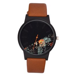 unique mens sport watches Canada - Unique Unisex Cheap Watches for Women Tropical Jungle Design Quartz Wristwatch for Mens Womens for Casual Sport Clock Hour Gift