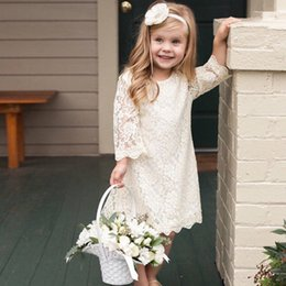 Barato Vestidos Longos Do Baptismo Do Laço-White Ivory Lace Flower Girls Vestidos Manga comprida Boho Flower Girls Dresses Country Toddler Short Baptismo Vestidos de batismo