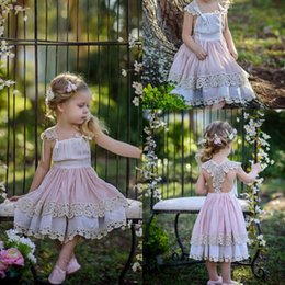 Barato Vestido De Noiva Com Vestido De Chá Boho-Cheap Tea Length Flower Girl Vestidos 2017 Lace Appliqued Boho Wedding Vintage Beach Little Baby Gowns para Comunhão