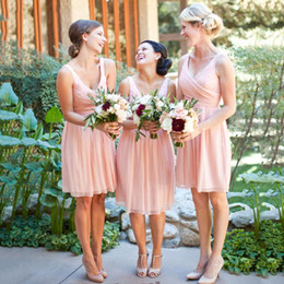 $enCountryForm.capitalKeyWord Australia - 2017 Blush Pink Chiffon Short Bridesmaid Dresses For Country Garden Beach Wedding Cheap V Neck Ruched Knee Length Maid Of Honor Gowns EN8182