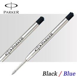 Venta al por mayor-6Pcs / Lot Parker Pen Recarga Azul Negro Tinta bolígrafo Bolígrafos Recambios para escritura de alta calidad al por mayor en venta