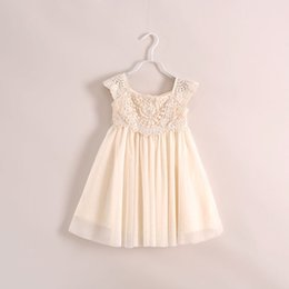 Barato Menina Bege Vestido De Renda-Everweekend Girls Bege Lace Party Dress Ruffles Tutu Princess Vestido de férias Sweet Children Baby Western Dresses