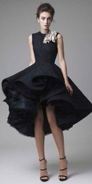 $enCountryForm.capitalKeyWord Canada - Unique Design Black High Low Prom Dresses 2017 Sleevelss Jewel Neck Ruffles Evening Party Gowns For 18 Sweets Custom Made