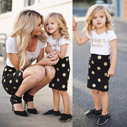 Mom Daughter Set Dress Canada - 2017 Mom and Baby Clothing Sets Mother Daughter Dresses Family Matching Clothes Baby Girls and Mommy Short Sleeve Clothes Dot Skirts
