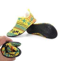 2017 Hombre de Secado rápido Zapatos de Pescado Impreso Deporte Correr Antideslizante Piscina / Playa Mujeres Playa de arena Parejas Zapatos de Zapato Envío Gratis en venta