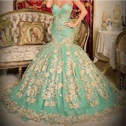 Barato Abendkleid Prom-Saudi Arab Kaftan Mint Green Vestidos de noite Mermaid 2017 Meerjungfrau Abendkleid Cristais Halter Floor Length Prom Dresses with Lace