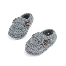 Barato Botas De Crochê Com Fivela-Wholesale- Fashion Buckle Baby Boy Shoes Handmade Knitting Crochet Booties Cheap Baby Crochet Shoes 10 cm