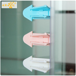 Wholesale- 1pcs The Child Safe Finger Pinch Guard Door Stopper Baby Stop Lock Safety Protectors for Children and Kids Accessories & Finger Safety Door Stopper Protector Online | Finger Safety Door ... pezcame.com