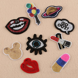 Vente en gros Fer sur des patchs bricolage paillettes autocollant patch pour vêtements vêtements badges en tissu couture brillant paillettes lèvre oeil ballon etc.