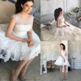 Barato Laço Decote Jóia Vestidos De Baile-Vintage White Pearls Homecoming Vestidos 2017 Lace Appliqued Jewel Decote barato A Line Short Prom Evening Gowns