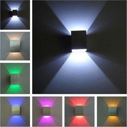 Diseño moderno Wall Llight Lámpara de pared LED Hall Lámpara de pasillo Corredor lámpara Warm white Red Blue up-down LED Light en venta