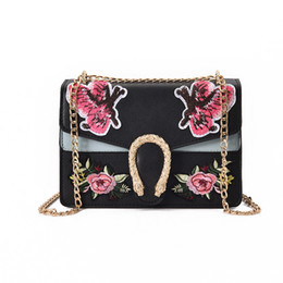 pink fashion handbags UK - Fashion Flowers Butterfly Embroidery Crossbody Bag For Women Handbag Ladies Brand New Snake Head Chain Straps Patchwork Floral Shoulder Bag