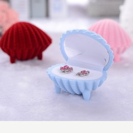 Wedding Display Cases Canada - Ring Earring Box Velvet Valentine Gift Display Shell Shape Jewellery Case wedding accessories 6.5*5.2*5cm