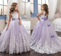 Wholesale 2017 New Beautiful Purple and White Flower Girls Dresses Beaded Lace Appliqued Bows Pageant Gowns for Kids Wedding Party BA4472
