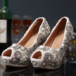 Zapatos De Noche Diamantes Baratos-Peep Toe Pearls Diamonds Christmas 2017 Rhinestones Zapatos de boda hechos a mano de lujo de tacón alto Lady Bride Party nupcial Prom Night Pumps
