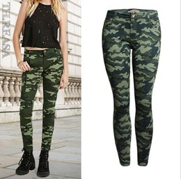 Barato Mulheres Calças De Camo Verde-S-5XL Women's Plus Size Chic Camo Army Green Skinny Jeans para mulheres Femme Camouflage Cropped Pencil Pants