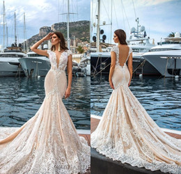 Barato Manga De Renda Vestido De Noiva De Volta-2017 Gorgeous Full Lace Mermaid Wedding Dresses Deep V neck Sleeples Capped Tribunal Tren Praia Vestidos de Noiva Sheer Back Vestidos De Noiva