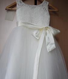 Опт Цветок Девушка платья A-Line Длинные кружева Платье для девочек 2-14 лет Робин Фейл Кружева Tulle Белый Цветок Ggirl Платья для свадьбы