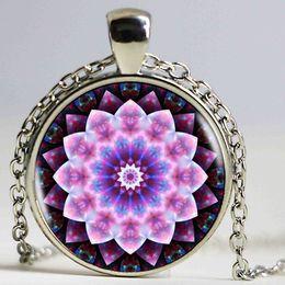 $enCountryForm.capitalKeyWord NZ - Vintage Jewelry Pink Mandala Flower Wholesale Necklaces Pendant Fashion Charming Glass Necklace for Men Women