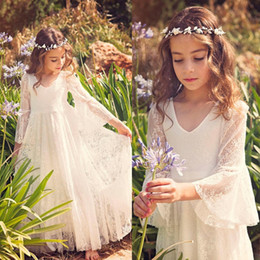 Barato Laço Extravagante Barato-2017 New Fancy V Neck 3/4 Sleeves A-line Lace Flower Girl Dresses Cheap Country Style Little Girls Vestidos para 2-12 anos MC0668