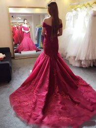 Mermaid Corset Back Prom Dress Canada - 2017 Elegant Burgundy Mermaid Prom Dresses Off the Shoulder Lace Appliqued Corset Back Evening Dresses Long Tulle Court Train Pageant Gowns