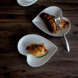 18.7*15.3cm Heart Dish Ceramic Porcelain Dessert Ice Cream Salad Plate Wedding Decoration Valentineu0027s Day Gift Tableware ZA3519 & Dessert Plates Ceramic Online Shopping | Dessert Plates Ceramic for Sale