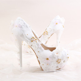 Elegant Flower Girl Shoes Canada - 2017 Newest Arrived Elegant White Lace Shoes Gold Pearls Flower Decoration 1.57 Inches Platforms Bridal Wedding Girl Stiletto Party Prom