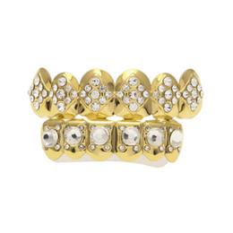 $enCountryForm.capitalKeyWord UK - Gold Plated Iced Out Rhombus CZ Rhinestone Hip Hop Teeth For Mouth GRILLZ Caps Top & Bottom Grillz Set vampire teeth