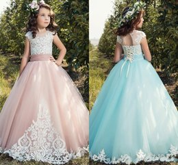 Barato Saia De Renda Rosa Claro-Blush Pink Light Blue Sweety Lace 2017 Novo A linha Flower Girl Dresses Jewel Illusion Appliques Tulle Tiered saia Aankle-length Country gown