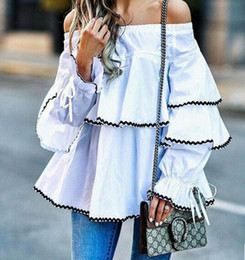 Boutons Manchés Pas Cher-2017 New Summer Women Blouses Off-shoulder Slash neck Sans bretelles Lotus Leaf Tops Mode Chemises Ruffled Loose T-shirt à manches longues