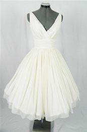 Winter Simple Chiffon Wedding Dress Canada - 2017 Real Vintage 50s Short Wedding Dresses Knee Length Ruched Chiffon V Neck Tank Informal 1950s Beach Bridal Gowns Custom Made Simple