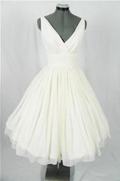 $enCountryForm.capitalKeyWord Canada - Real Vintage 50s Short Wedding Dresses Knee Length Ruched Chiffon V Neck Tank Informal 1950s Beach Bridal Gowns Custom Made Simple