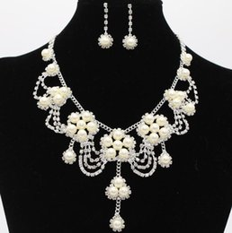 $enCountryForm.capitalKeyWord Australia - Romantic Pearl Flower Jewerly Crystal Pearl Cheap Two Pieces Earrings Necklace Rhinestone Wedding Bridal Sets Jewelry Set