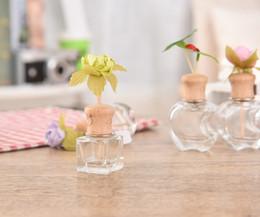 $enCountryForm.capitalKeyWord Canada - Wholesale Fashion Mini Empty glass perfume refillable hanging car fragrance bottles with wooden cap For Automotive Air Freshener