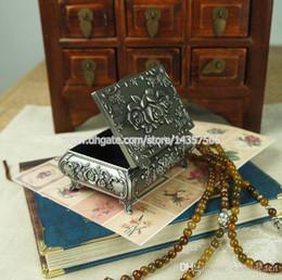 $enCountryForm.capitalKeyWord Canada - Classical Metal Jewelry Storage Box Flower Rose for Princess Vintage Silver Color Metal Trinket Box Wedding Favors Size Small