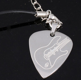 $enCountryForm.capitalKeyWord Australia - Global Hot Selling Guitar Pick Pendant Necklace Metal Guitar Pick Of Electric Guitar Silver
