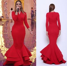V Col Pas Cher-Vintage Saudi Arab Dubai Long Sleeves Robes de soirée Tier Layers Red V Neck Gaine Long Prom Party Celebrity Gowns Formal Occasion Wears