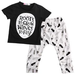 $enCountryForm.capitalKeyWord Canada - Summer Baby Clothes Set Toddler Boys Clothing Kids Tracksuit 2pcs Cotton Outfit Short Sleeve Leaf Tee Shirt Legging Pants Infant Sport Suit