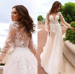 Gracieux Sexy Pas Cher-2018 Lace Floral Beaded Vintage Robes de mariée de plage Deep V-neck à manches longues A-line Sexy Graceful Bridal Gowns