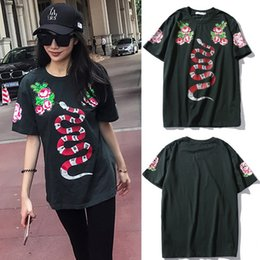 Wholesale 2017 Lady Tee Imprimé Snaker Floral Rhinestone Patch Surdimensionné Relaxed Fit Army Green T Shirts Top Femme