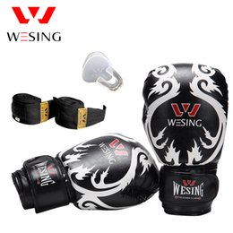Barato Dentes De Equipamentos-10Oz Wesing Sanda Training Equipment Set Luvas de boxe Protetor de dentes Handrap Punch Bag Luva Protector Gear Fight Fitness