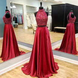 Barato Vestido De Baile De Finalista Vermelho Chiffon Longo-2017 Red Two Pieces Long Prom Dresses Sem Mangas Beaded Beaded Top A-line Elegante Adolescentes Meninas Formal Prom Party Vestidos Custom