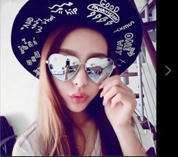 Oversized Mirror Sunglasses NZ - Fashion Women s Men s Sunglasses Women  Girl Love Heart Shape Sunglasses Flat 15969f2417